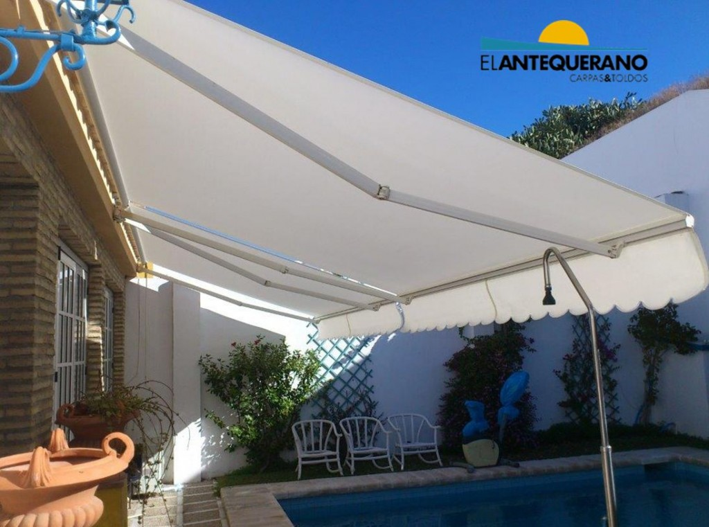 Tipos de toldos para patios cheap ejemplo toldo brazo - Toldos para patios interiores ...